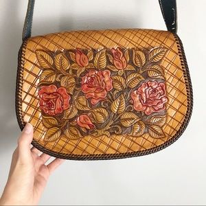 Vintage Tooled Leather Floral Roses Purse